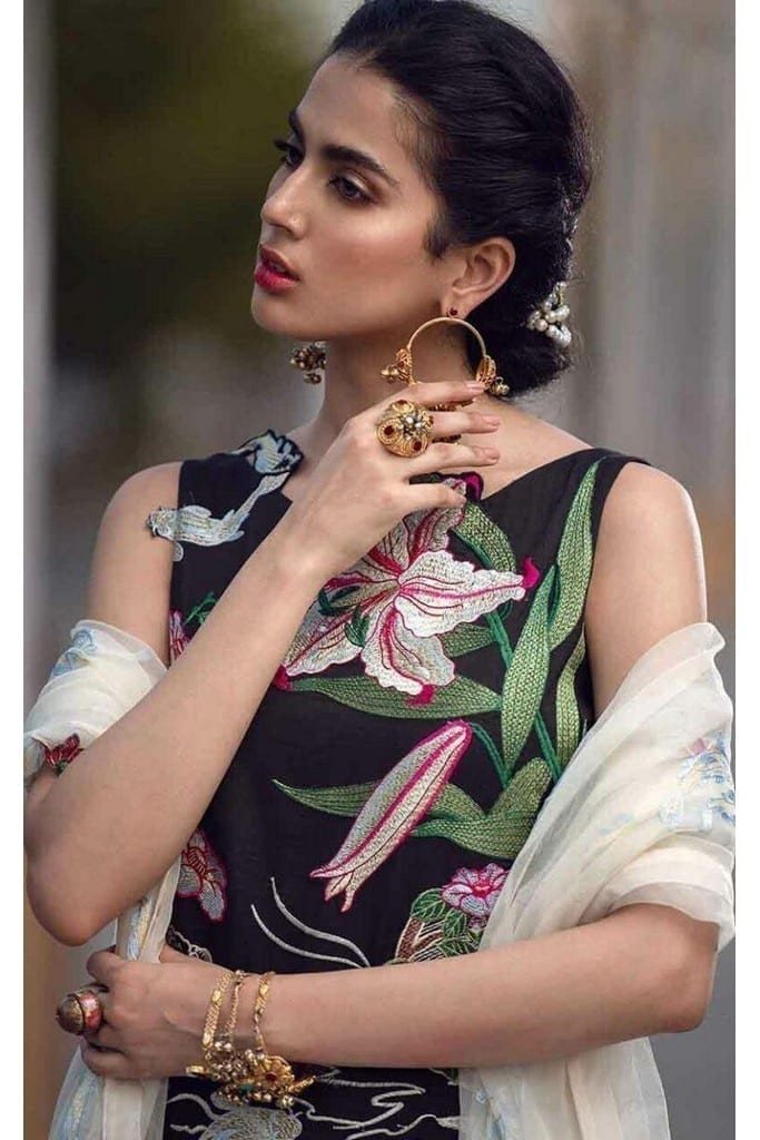 ASIFA N NABEEL | LUXURY LAWN Collection | 21-F ESSENCES