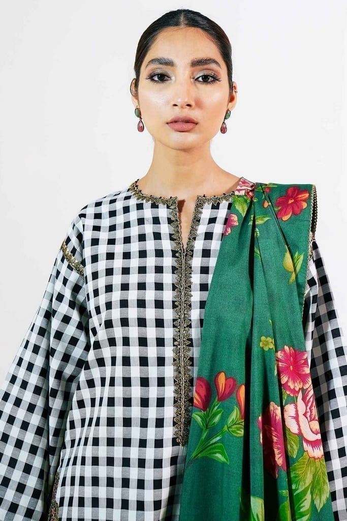 ZARA SHAJAHAN   Embroidered Lawn Suits   ZS21L 07 Manreet-A