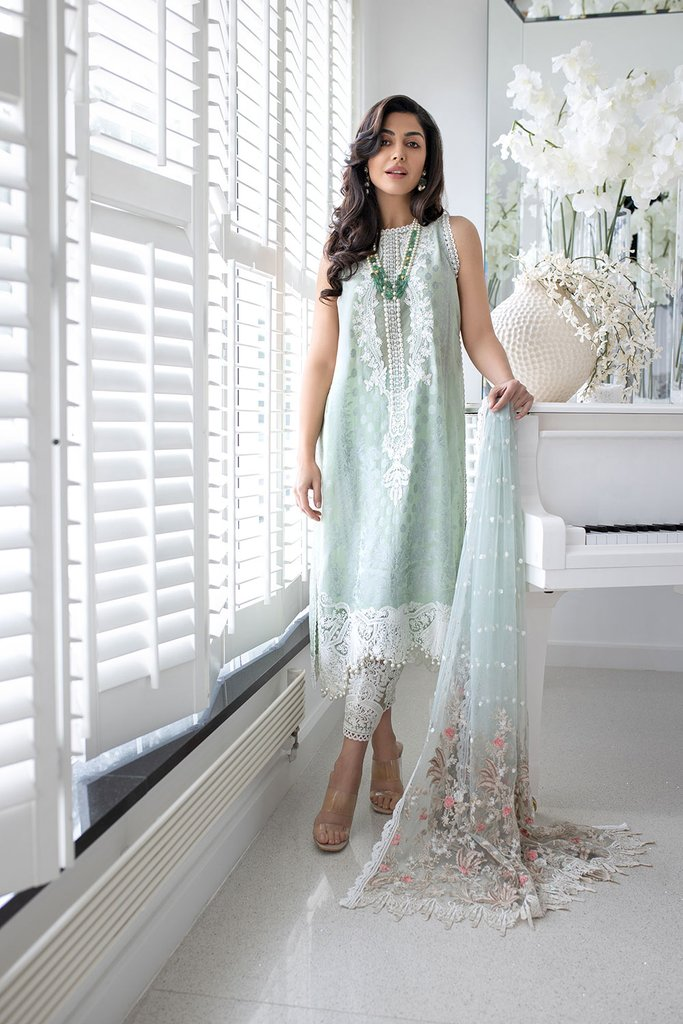 SOBIA NAZIR   LUXURY LAWN Collection   DESIGN 14B