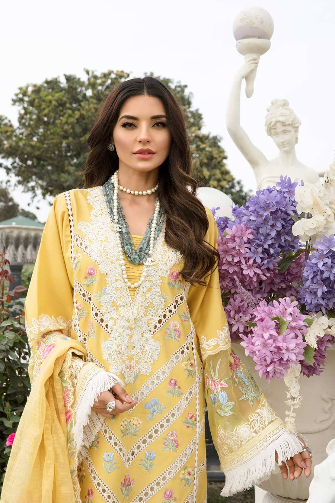 CRIMSON BY SAIRA SHAKIRA   LUXURY SUMMER Collection'21   6B AMBER A FLORAL