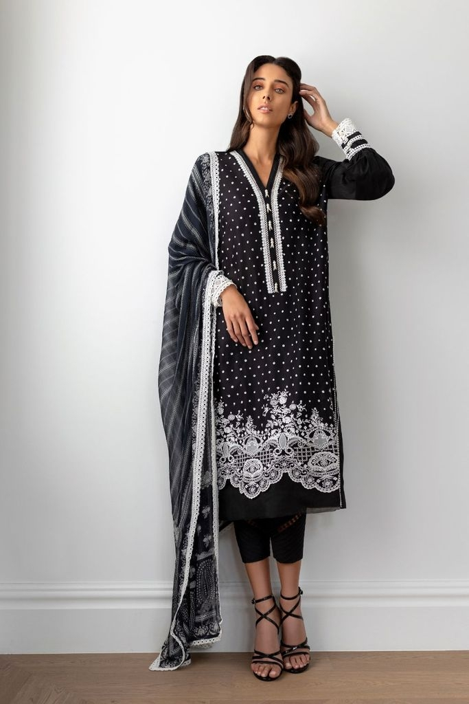 SOBIA NAZIR | MONOCHROME Collection'21 | DESIGN 01